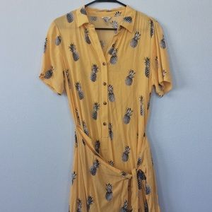 (NWOT) Forever 21 Pineapple Button Wrap Dress